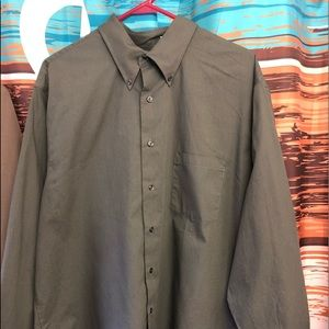 NWOT Men's VanHeusen button down shirt